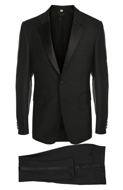 Смокинг BurberryСмокинги<br>Классический черный смокинг дополнен традиционными атласными лацканами. Из этой же ткани сделаны лампасы на брюках. В костюма мастера бренда, основанного Томасом Берберри, использовали мягкую шерсть с добавлением мохера. Пиджак с двумя боковыми карманами застегивается на две пуговицы.<br><br>Российский размер RU: 50<br>Пол: Мужской<br>Возраст: Взрослый<br>Размер производителя vendor: 48-R<br>Материал: Шерсть: 71%; Подкладка-купра: 60%; Подкладка-хлопок: 40%; Мохер: 29%;<br>Цвет: Черный