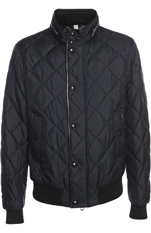 Куртка BurberryКуртки<br>Стеганая черная куртка на подкладке с утеплителем. Модель с воротником-стойкой, дополненным молнией. Края изделия и карманов украшены кожаным кантом. Нам нравится сочетать с яркой рубашкой, серыми брюками и черными кедами.<br><br>Российский размер RU: 50<br>Пол: Мужской<br>Возраст: Взрослый<br>Размер производителя vendor: L<br>Материал: Отделка-хлопок: 90%; Отделка-полиамид: 8%; Подкладка-ацетат: 55%; Подкладка-вискоза: 45%; Отделка-эластан: 2%; Полиамид: 100%; Отделка кожа<br>Цвет: Черный