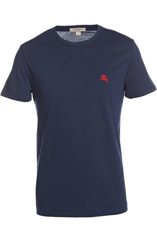 Футболка Burberry BritФутболки<br>Классическая футболка с короткими рукавами и круглым вырезом. На груди вышита эмблема бренда, основанного Томасом Берберри. Нам нравится сочетать модель из мягкого хлопкового джерси синего цвета с джинсами и кроссовками.<br><br>Российский размер RU: 46<br>Пол: Мужской<br>Возраст: Взрослый<br>Размер производителя vendor: S<br>Материал: Хлопок: 100%;<br>Цвет: Темно-синий