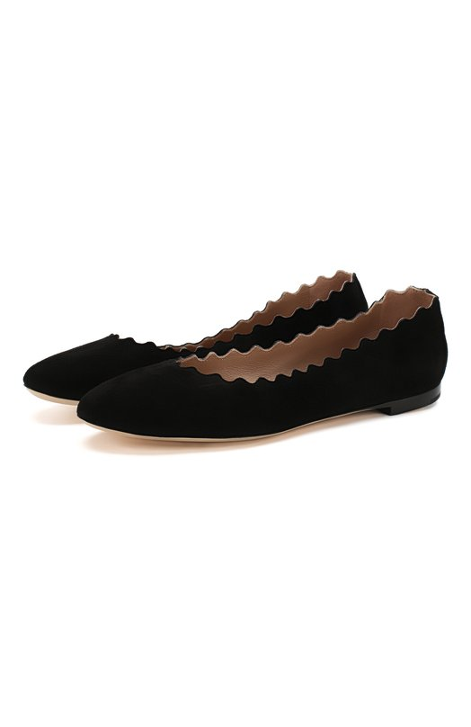 Замшевые балетки Lauren с фигурным вырезом Chlo?Балетки<br>Черные балетки Lauren с характерным для обуви марки фигурным вырезом вошли в осенне-зимнюю коллекцию 2015 года. Мастера бренда изготовили пару с круглым мысом, на небольшом каблуке из мягкой замши.<br><br>Российский размер RU: 37<br>Пол: Женский<br>Возраст: Взрослый<br>Размер производителя vendor: 37-5<br>Материал: Стелька-кожа: 100%; Подошва-кожа: 100%; Замша натуральная: 100%;<br>Цвет: Черный