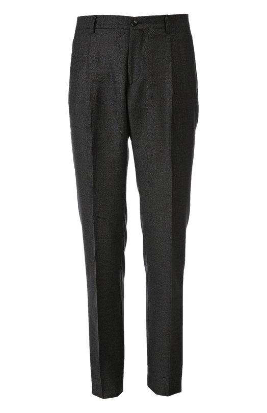 Брюки Giorgio ArmaniБрюки<br>Мастера бренда, основанного Джорджио Армани, сшили модель из износостойкой и мягкой шерсти серого цвета. Брюки slim fit со стрелками вошли в осенне-зимнюю коллекцию 2015 года. Наши стилисты рекомендуют носить с серым свитером, кожаной курткой и черными ботинками.<br><br>Российский размер RU: 58<br>Пол: Мужской<br>Возраст: Взрослый<br>Размер производителя vendor: 56<br>Материал: Шерсть: 90%; Подкладка-ацетат: 60%; Подкладка-купра: 40%; Шелк: 10%;<br>Цвет: Серый