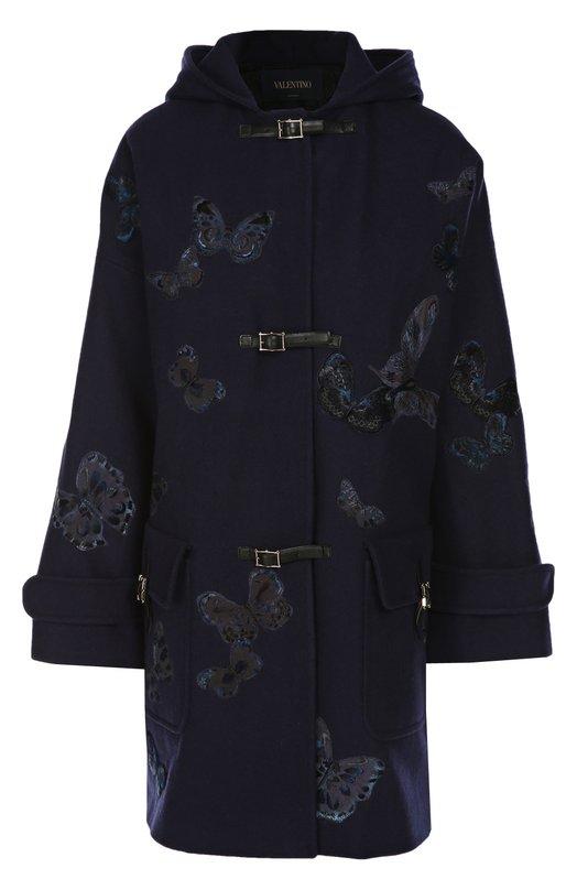Пальто ValentinoПальто и плащи<br>В осенне-зимнюю коллекцию марки, основанной Валентино Гаравани, вошло синее пальто из плотной шерсти. Модель с капюшоном украшена вышивкой в виде темно-голубых бабочек, впервые использованых в осенней пре-коллекции 2014 года. Изделие застегивается на ремешки с магнитными кнопками и пряжками.<br><br>Российский размер RU: 40<br>Пол: Женский<br>Возраст: Взрослый<br>Размер производителя vendor: 38<br>Материал: Шерсть: 100%; Отделка кожа натуральная: 100%; Подкладка-хлопок: 100%; Отделка-вискоза: 100%;<br>Цвет: Темно-синий