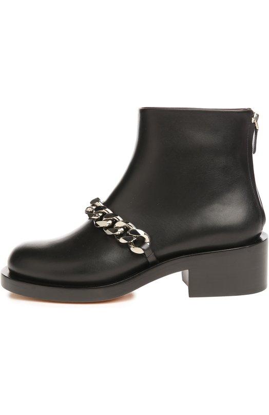 Кожаные ботинки с массивной цепью GivenchyБотинки<br>&amp;bull; Москва 896 EUR (62 700 RUB)&amp;bull; Милан 995 EUR&amp;bull; Лондон 1 011 EUR (910 GBP)&amp;bull; Дубай 1 279 EUR (5 180 AED)Мастера бренда, основанного Юбером де Живанши, изготовили полуботинки на невысоком устойчивом каблуке из гладкой черной кожи. Основным элементом декора модели стала массивная металлическая цепочка. Обувь застегивается сзади на молнию.<br><br>Российский размер RU: 39<br>Пол: Женский<br>Возраст: Взрослый<br>Размер производителя vendor: 39<br>Материал: Кожа натуральная: 100%; Стелька-кожа: 100%; Подошва-резина: 100%;<br>Цвет: Черный