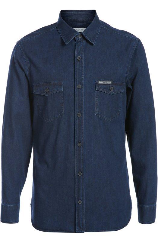 Джинсовая рубашка BurberryРубашки<br>Мастера марки, основанной Томасом Берберри, сшили джинсовую рубашку с длинным рукавом из темно-синего мягкого хлопка. Модель из осенне-зимней коллекции дополнена двумя карманами. Советуем носить с лонгсливом, пальто прямого кроя, черными брюками и коричневыми челси.<br><br>Российский размер RU: 52<br>Пол: Мужской<br>Возраст: Взрослый<br>Размер производителя vendor: XL<br>Материал: Хлопок: 100%;<br>Цвет: Темно-синий
