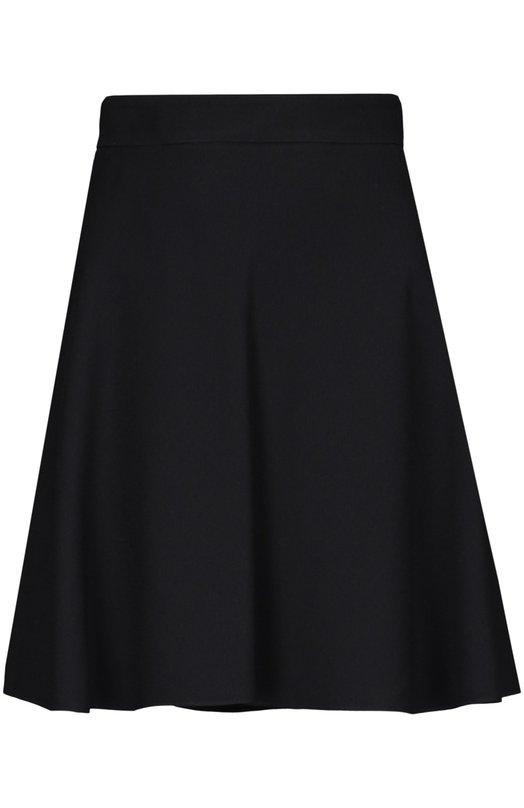 Юбка Saint LaurentЮбки<br>Эди Слиман включил в осенне-зимнюю коллекцию 2015 года расклешенную юбку на молнии сзади. Модель сшита мастерами бренда, основанного Ивом Сен-Лораном, из крепа черного цвета. Нам нравится сочетать с черной блузой, украшенной белым принтом, кожаной курткой и ботильонами.<br><br>Российский размер RU: 46<br>Пол: Женский<br>Возраст: Взрослый<br>Размер производителя vendor: 40<br>Материал: Ацетат: 57%; Вискоза: 43%; Подкладка-шелк: 100%;<br>Цвет: Черный