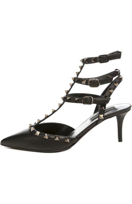 Кожаные туфли Rockstud Noir на шпильке ValentinoТуфли<br>Классические туфли Rockstud с открытой пяткой сшиты мастерами марки, основанной Валентино Гаравани, из матовой мягкой кожи черного цвета. Модель с зауженным мысом дополнена каблуком комфортной высоты. Кант и тонкие ремешки, фиксирующие обувь на ноге, украшены металлическими шипами-пирамидами.<br><br>Российский размер RU: 36<br>Пол: Женский<br>Возраст: Взрослый<br>Размер производителя vendor: 36<br>Материал: Кожа натуральная: 100%; Стелька-кожа: 100%; Подошва-кожа: 100%;<br>Цвет: Черный