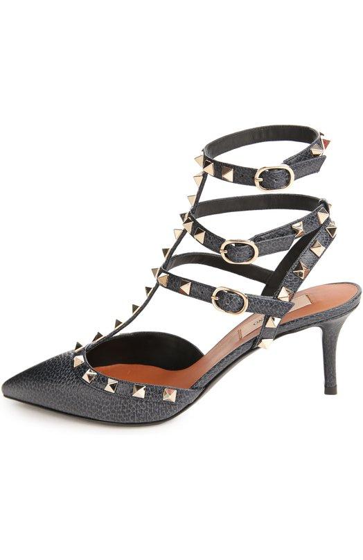 Кожаные туфли Rockstud на шпильке ValentinoТуфли<br>Туфли из мелкозернистой кожи синего цвета украшены позолоченными шипами-пирамидами, ставшими знаковым декором для обуви бренда, основанного Валентино Гаравани. Обувь на шпильке фиксируется на ноге ремешками. Модель вошла в коллекцию сезона весна-лето 2016 года.<br><br>Российский размер RU: 37<br>Пол: Женский<br>Возраст: Взрослый<br>Размер производителя vendor: 37<br>Материал: Кожа натуральная: 100%; Стелька-кожа: 100%; Подошва-кожа: 100%;<br>Цвет: Темно-синий