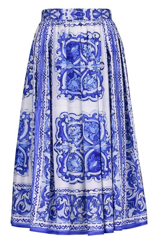 Юбка Dolce &amp; GabbanaЮбки<br>Доменико Дольче и Стефано Габбана включили в осенне-зимнюю коллекцию 2015 года длинную юбку из тонкого и гладкого хлопка с принтом голубого цвета. Изделие с двумя врезными боковыми карманами застегивается на молнию и пуговицу сзади.<br><br>Российский размер RU: 42<br>Пол: Женский<br>Возраст: Взрослый<br>Размер производителя vendor: 40<br>Материал: Хлопок: 100%;<br>Цвет: Голубой