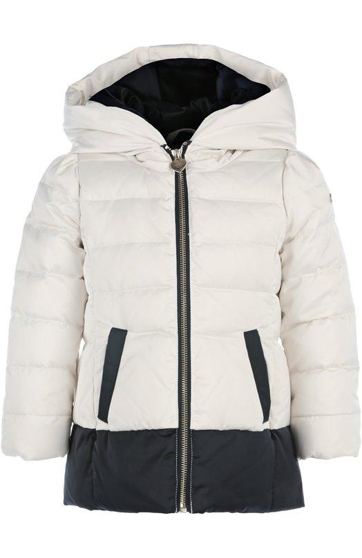 Куртка Giorgio ArmaniВерхняя одежда<br><br><br>Российский размер RU: 30<br>Пол: Женский<br>Возраст: Детский<br>Размер производителя vendor: 3A<br>Материал: Пух утиный: 80%; Перо утиное: 20%; Полиэстер: 100%; Подкладка-хлопок: 100%;<br>Цвет: Белый