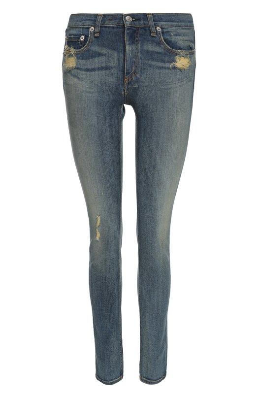 Джинсы Rag&amp;BoneДжинсы<br>Дизайнеры Маркус Уэйнрайт и Дэвид Невилл включили голубые джинсы с декоративными потертостями в весенне-летнюю коллекцию 2016 года. Мастера бренда произвели модель skinny из мягкого плотного хлопка стрейч.<br><br>Российский размер RU: 46<br>Пол: Женский<br>Возраст: Взрослый<br>Размер производителя vendor: 28<br>Материал: Хлопок: 98%; Полиуретан: 2%;<br>Цвет: Голубой