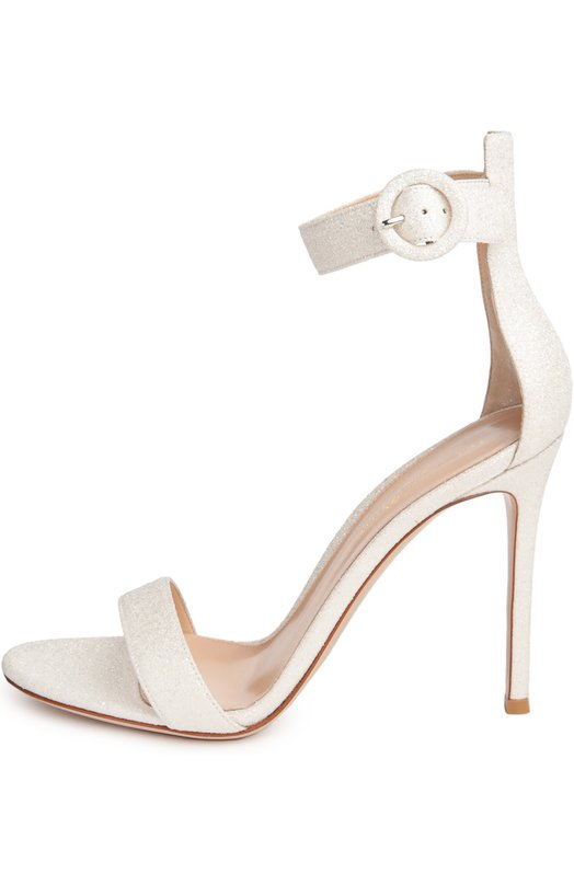 Босоножки Portofino с глиттером Gianvito RossiБосоножки<br>Джанвито Росси включил в весенне-летнюю коллекцию 2016 года босоножки, выполненные из актуальной в этом сезоне белой кожи, украшенной серебристыми блестками. Модель на тонком высоком каблуке фиксируется на лодыжке ремнем с пряжкой.<br><br>Российский размер RU: 35<br>Пол: Женский<br>Возраст: Взрослый<br>Размер производителя vendor: 35-5<br>Материал: Подошва-кожа: 95%; Подошва-пластмасса: 5%; Кожа натуральная: 100%; Стелька-кожа: 100%;<br>Цвет: Белый