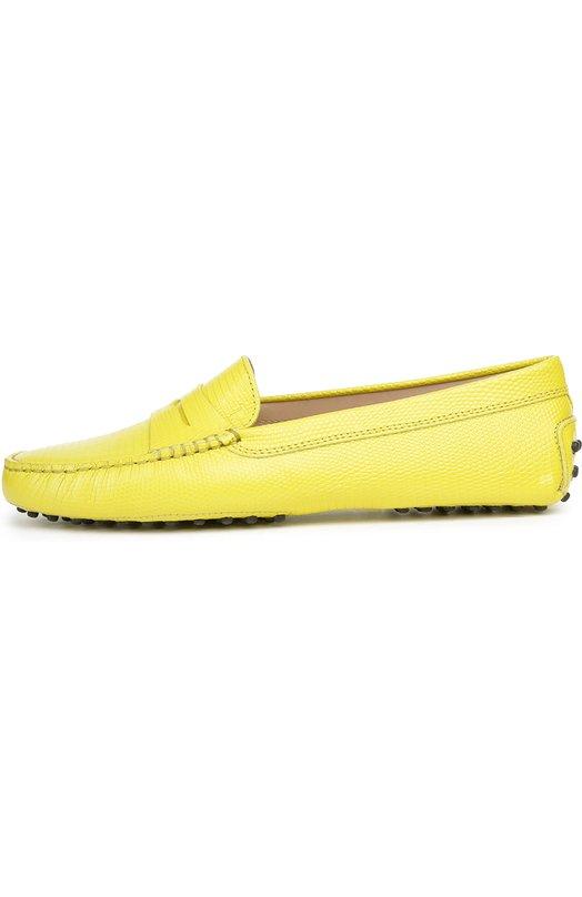 Кожаные мокасины Gommini с перемычкой Tod'sМокасины<br>Желтые мокасины Gommini с круглым мысом сшиты вручную из матовой кожи, тисненой под змею. Модель с запатентованными резиновыми шипами на подошве, ставшими характерной деталью для обуви бренда, вошла в коллекцию сезона весна-лето 2016 года. Пара украшена кожаной перемычкой с прорезью.<br><br>Российский размер RU: 39<br>Пол: Женский<br>Возраст: Взрослый<br>Размер производителя vendor: 39-5<br>Материал: Кожа натуральная: 100%; Стелька-кожа: 100%; Подошва-резина: 100%;<br>Цвет: Желтый