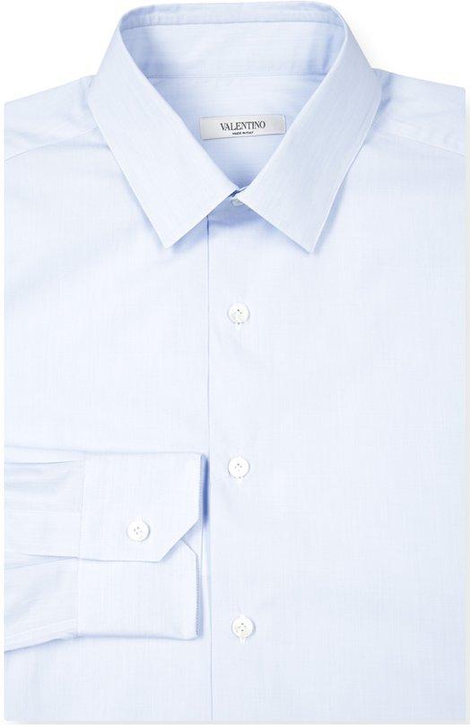 Сорочка ValentinoРубашки<br>Для изготовления голубой рубашки с воротником кент и длинными рукавами была использована тонкая хлопковая ткань с тканым узором в виде полос в тон. Модель из весенне-летней коллекции бренда, основанного Валентино Гаравани, застегивается на пуговицы.<br><br>Российский размер RU: 41<br>Пол: Мужской<br>Возраст: Взрослый<br>Размер производителя vendor: 41<br>Материал: Хлопок: 100%;<br>Цвет: Голубой