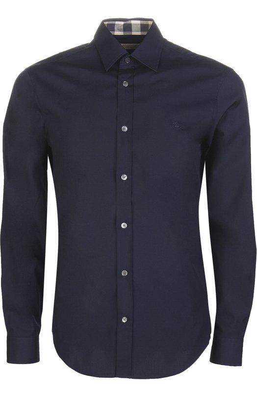 Рубашка Burberry BritРубашки<br>Для изготовления рубашки slim fit мастера марки, основанной Томасом Берберри, использовали мягкой хлопковый поплин темно-синего цвета. Модель украшена небольшим вышитым логотипом бренда. Предлагаем носить с серым блейзером, светлыми брюками и лоферами.<br><br>Российский размер RU: 52<br>Пол: Мужской<br>Возраст: Взрослый<br>Размер производителя vendor: XL<br>Материал: Хлопок: 97%; Эластан: 3%;<br>Цвет: Темно-синий