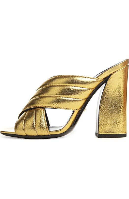 Сабо Sylvia GucciСабо<br>Креативный директор бренда, основанного Гуччио Гуччи, включил в весенне-летнюю коллекцию 2016 года сабо на устойчивом широком каблуке. При создании модели мастера марки использовали плотную мелкозернистую кожу актуального в этом сезоне золотого цвета.<br><br>Российский размер RU: 35<br>Пол: Женский<br>Возраст: Взрослый<br>Размер производителя vendor: 35-5<br>Материал: Кожа натуральная: 100%; Стелька-кожа: 100%; Подошва-кожа: 100%;<br>Цвет: Золотой