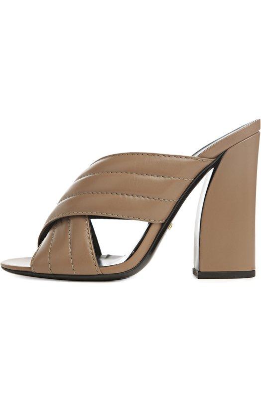 Сабо Webby на устойчивом каблуке GucciСабо<br>Мастера бренда, основанного Гучио Гуччи, сшили сабо светло-розового цвета из матовой стеганой кожи. Обувь на тонкой подошве и высоком широком каблуке впервые появилась в ассортименте марки в 2016 году благодаря Алессандро Микеле.<br><br>Российский размер RU: 36<br>Пол: Женский<br>Возраст: Взрослый<br>Размер производителя vendor: 36-5<br>Материал: Кожа натуральная: 100%; Стелька-кожа: 100%; Подошва-кожа: 100%;<br>Цвет: Бежевый