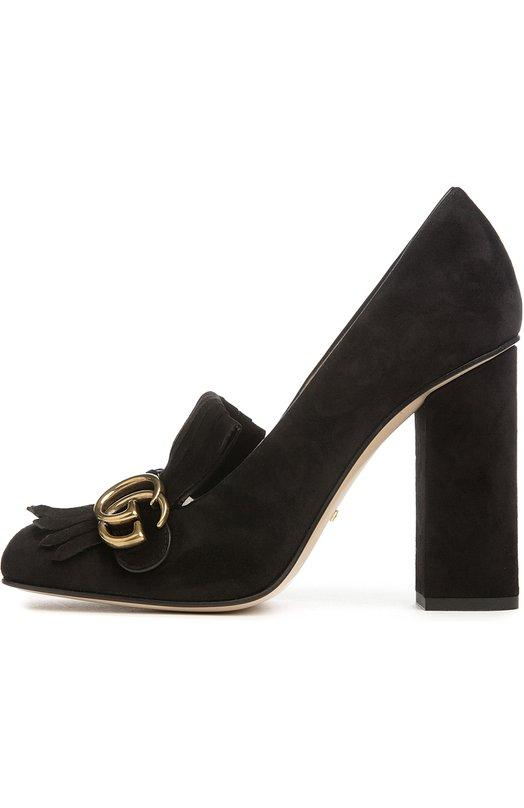 Замшевые туфли Marmont с пряжкой GucciТуфли<br>В качестве декора черных туфель на устойчивом каблуке использована бахрома и архивная металлическая пряжка в виде монограммы GG, составленной из инициалов Гуччио Гуччи. Такая же украшала изделия бренда до середины 1990-х, когда одну из букв было решено перевернуть.<br><br>Российский размер RU: 40<br>Пол: Женский<br>Возраст: Взрослый<br>Размер производителя vendor: 40-5<br>Материал: Стелька-кожа: 100%; Подошва-кожа: 100%; Замша натуральная: 100%;<br>Цвет: Черный