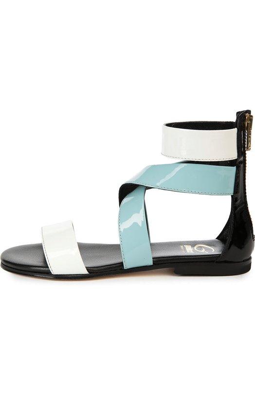 Сандалии GallucciБосоножки<br>В весенне-летнюю коллекцию бренда, основанного Луи Галлуччи, вошли сандалии, для изготовления которых была использована гладкая лаковая кожа белого и голубого цветов. Модель на тонкой ортопедической подошве, на низком каблуке и с жестким задником застегивается на молнию сзади.<br><br>Российский размер RU: 33<br>Пол: Женский<br>Возраст: Детский<br>Размер производителя vendor: 33<br>Материал: Кожа натуральная: 100%; Стелька-кожа: 100%; Подошва-кожа: 100%; Подошва-резина: 100%;<br>Цвет: Разноцветный