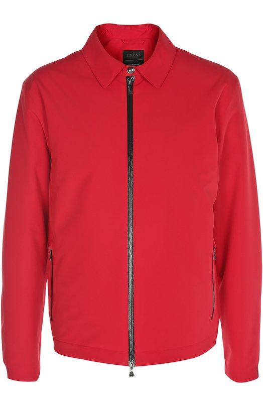 Куртка Z ZegnaКуртки<br>В весенне-летнюю коллекцию бренда, основанного Эрменеджильдо Зенья, вошла красная куртка с отложным воротником и двумя карманами. Модель, застегивающаяся на молнию, выполнена из мягкого непромокаемого нейлона. На спине — кожаная нашивка в форме эмблемы марки.<br><br>Российский размер RU: 50<br>Пол: Мужской<br>Возраст: Взрослый<br>Размер производителя vendor: L<br>Материал: Полиэстер: 100%; Подкладка-полиэстер: 100%;<br>Цвет: Красный