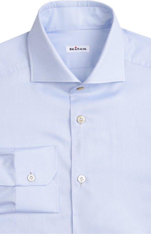 Сорочка с манжетами KitonРубашки<br>Светло-голубая рубашка выполнена частично вручную из мягкого хлопкового твила. Модель с длинными рукавами и воротником акула вошла в коллекцию сезона весна-лето 2016 года. Наши стилисты рекомендуют носить с бежевыми брюками, синим блейзером и коричневыми лоферами.<br><br>Российский размер RU: 54<br>Пол: Мужской<br>Возраст: Взрослый<br>Размер производителя vendor: 43<br>Материал: Хлопок: 100%;<br>Цвет: Голубой