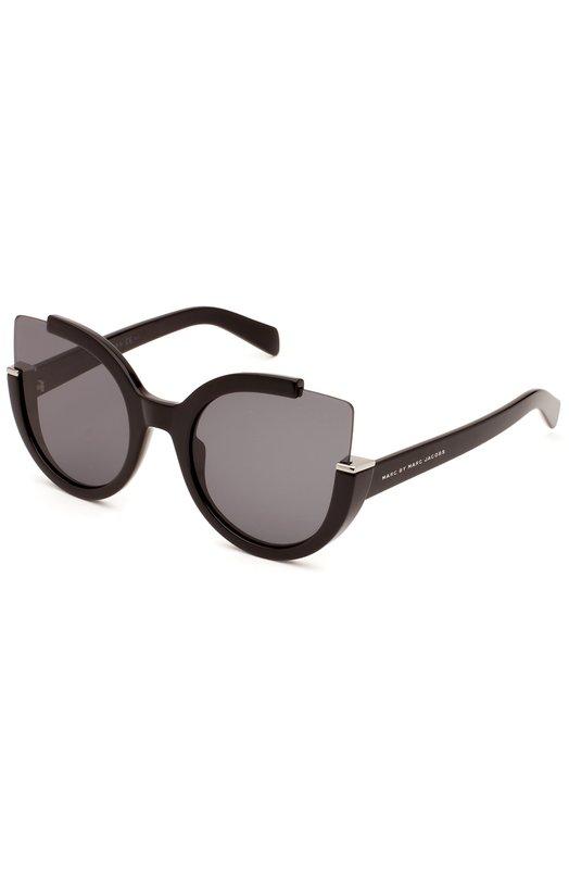 Солнцезащитные очки Marc by Marc JacobsОчки<br>Солнцезащитные очки cat eye вошли в весенне-летнюю коллекцию 2016 года. Модель из черного глянцевого ацетата дополнена темными линзами. Дужки декорированы логотипом бренда, основанного Марком Джейкобсом.<br><br>Пол: Женский<br>Возраст: Взрослый<br>Размер производителя vendor: NS<br>Цвет: Черный