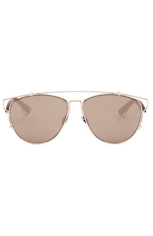 Солнцезащитные очки DiorОчки<br>Солнцезащитные очки в позолоченной оправе вошли в весенне-летнюю коллекцию бренда, основанного Кристианом Диором. Модель с зеркальными линзами дополнена темными пластиковыми дужками с фигурными наконечниками.<br><br>Пол: Женский<br>Возраст: Взрослый<br>Размер производителя vendor: NS<br>Цвет: Золотой