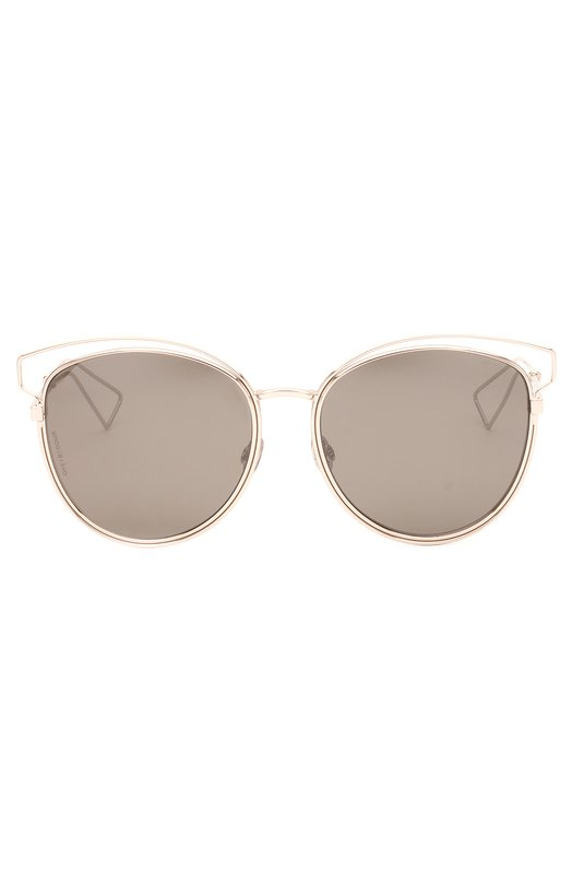 Солнцезащитные очки DiorОчки<br>В весенне-летнюю коллекцию 2016 года вошли солнцезащитные очки Sideral. Аксессуар с ультратонкой металлической оправой, покрытой палладиевым напылением, дополнен серыми зеркальными линзами. Белые пластиковые вставки на дужках декорированы логотипом бренда, основанного Кристианом Диором.<br><br>Пол: Женский<br>Возраст: Взрослый<br>Размер производителя vendor: NS<br>Цвет: Бесцветный