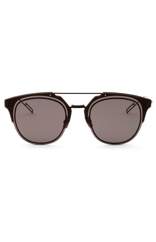 Солнцезащитные очки DiorОчки<br>Солнцезащитные очки Dior Composit с темно-серыми стеклами вошли в весенне-летнюю коллекцию бренда, основанного Кристианом Диором. Оправа изготовлена из легкого черненого металла. Аксессуар дополнен тонкими дужками с заушниками в виде петли.<br><br>Пол: Мужской<br>Возраст: Взрослый<br>Размер производителя vendor: NS<br>Цвет: Бесцветный