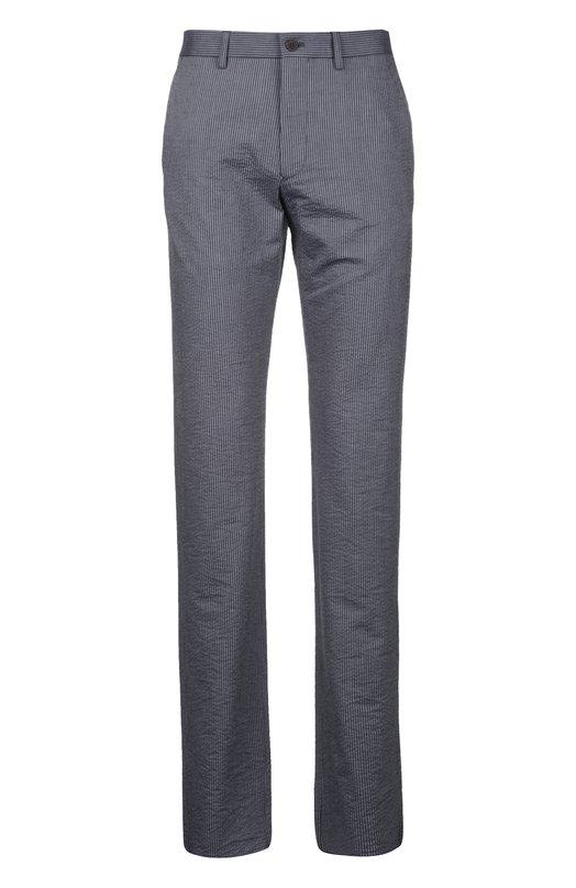 Спортивные брюки Giorgio ArmaniСпорт<br>Мастера марки, основанной Джорджио Армани, сшили брюки из полосатого стрейчевого габардина серого цвета. Модель с двумя боковыми и двумя задними карманами вошла в коллекцию сезона весна-лето 2016 года. Нам нравится носить с футболкой, крадиганом и ботинками.<br><br>Российский размер RU: 48<br>Пол: Мужской<br>Возраст: Взрослый<br>Размер производителя vendor: 46<br>Материал: Вискоза: 60%; Хлопок: 39%; Эластан: 1%;<br>Цвет: Серый