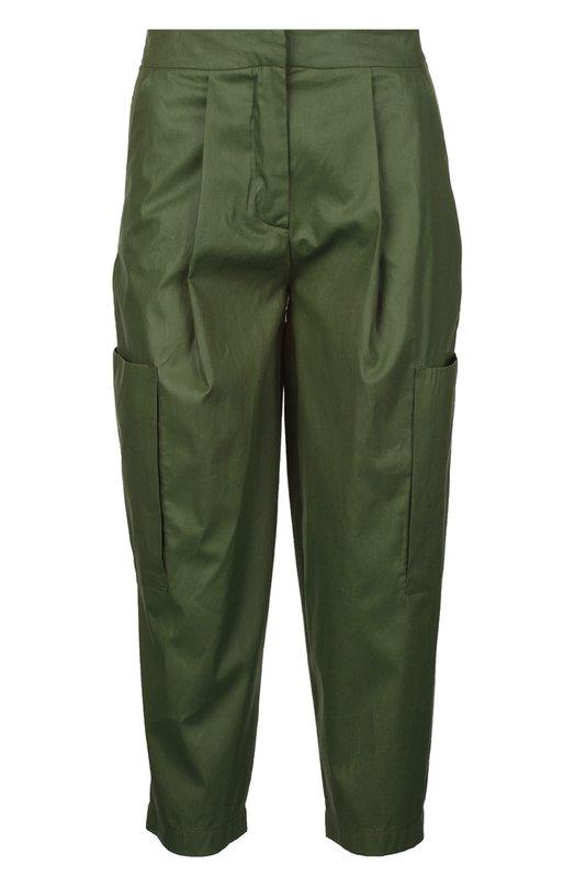 Брюки Erika CavalliniБрюки<br>Эрика Каваллини включила в коллекцию сезона весна-лето 2016 года укороченные брюки Osamu из гладкого и плотного хлопка зеленого цвета. Модель свободного кроя дополнена тремя прорезными и двумя накладными карманами.<br><br>Российский размер RU: 42<br>Пол: Женский<br>Возраст: Взрослый<br>Размер производителя vendor: 40<br>Материал: Хлопок: 100%;<br>Цвет: Зеленый