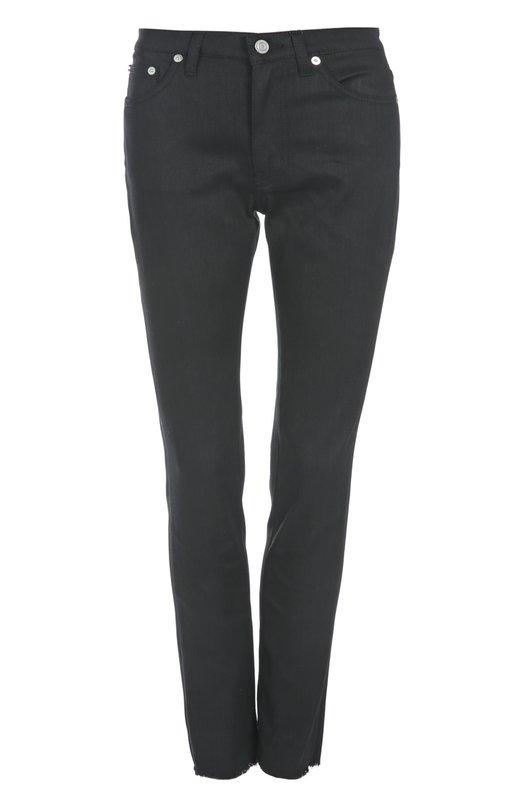 Джинсы Saint LaurentДжинсы<br>Эди Слиман включил в весенне-летнюю коллекцию бренда, основанного Ивом Сен-Лораном, джинсы slim fit с классической посадкой на талии. При производстве модели был использован плотный хлопок черного цвета. Низ брючин дополнен небольшой бахромой.<br><br>Российский размер RU: 52<br>Пол: Женский<br>Возраст: Взрослый<br>Размер производителя vendor: 31<br>Материал: Хлопок: 98%; Полиуретан: 2%;<br>Цвет: Черный