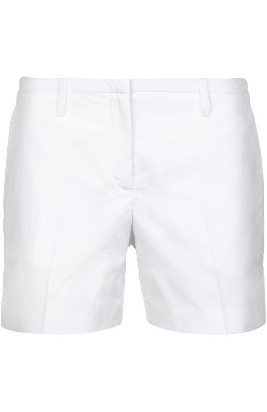 Хлопковые мини-шорты со стрелками No. 21Шорты<br>Белые шорты со стрелками выполнены из плотного хлопка. Алессандро Дель Аква включил модель, застегивающуюся на потайную молнию, в весенне-летнюю коллекцию 2016 года. Наши стилисты предлагают носить с голубым топом и боножками в тон.<br><br>Российский размер RU: 40<br>Пол: Мужской<br>Возраст: Взрослый<br>Размер производителя vendor: 38<br>Материал: Хлопок: 100%;<br>Цвет: Белый