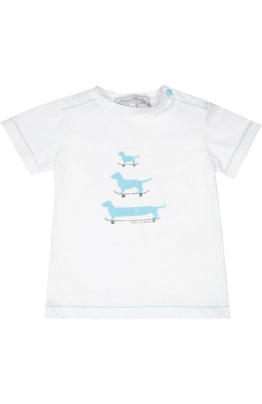 Футболка джерси Tartine Et ChocolatОдежда<br>В весенне-летнюю коллекцию 2016 года вошла футболка с короткими рукавами, выполненная из мягкого хлопкового джерси белого цвета. Модель прошита голубой строчкой. Изделие украшено рисунком в виде собак на скейтбордах. Круглый вырез дополнен кнопкой.<br><br>Российский размер RU: 26<br>Пол: Женский<br>Возраст: Для малышей<br>Размер производителя vendor: 2A<br>Материал: Хлопок: 100%;<br>Цвет: Голубой
