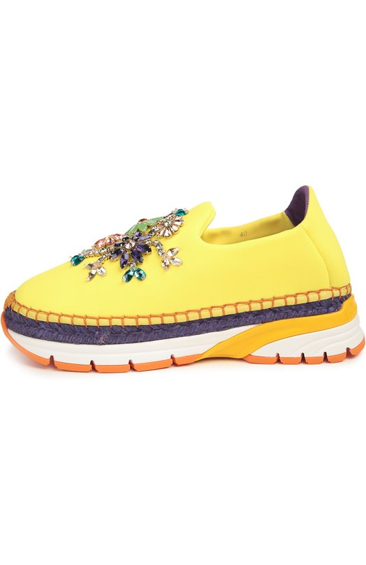 Текстильные кроссовки с декором Dolce &amp; GabbanaКеды<br>Кроссовки на комбинированной подошве из многослойной резины и джута вошли в весенне-летнюю коллекцию бренда, основанного Доменико Дольче и Стефано Габбана. Модель из эластичного текстиля желтого цвета украшена разноцветными кристаллами Swarovski, выложенными в форме цветов.<br><br>Российский размер RU: 41<br>Пол: Женский<br>Возраст: Взрослый<br>Размер производителя vendor: 41<br>Материал: Полиэстер: 61%; Эластан: 5%; Нейлон: 21%; Эластомер: 13%; Стелька-кожа: 100%; Подошва-резина: 100%;<br>Цвет: Желтый