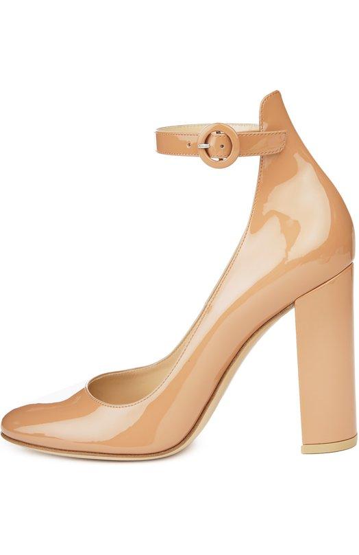 Лаковые туфли Greta с ремешком на щиколотке Gianvito RossiТуфли<br>Джанвито Росси включил туфли на устойчивом квадратном каблуке в коллекцию сезона весна-лето 2016 года. Модель изготовлена из бежевой лаковой кожи. Обувь фиксируется на ноге с помощью широкого ремня с круглой пряжкой.<br><br>Российский размер RU: 36<br>Пол: Женский<br>Возраст: Взрослый<br>Размер производителя vendor: 36-5<br>Материал: Кожа натуральная: 100%; Стелька-кожа: 100%; Подошва-кожа: 100%;<br>Цвет: Бежевый