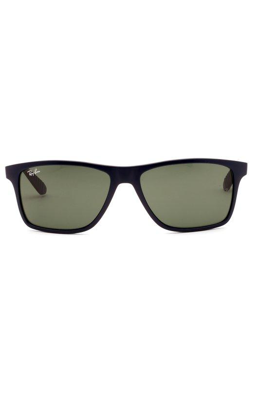 Солнцезащитные очки Ray-BanОчки<br>Для изготовления оправы использован прочный термопластик черного цвета. Солнцезащитные очки Wayfarer дополнены поляризованными стеклами темно-зеленого цвета. Широкие дужки украшены позолоченным логотипом бренда, нанесенным методом лазерной гравировки.<br><br>Пол: Мужской<br>Возраст: Взрослый<br>Размер производителя vendor: NS<br>Цвет: Бесцветный
