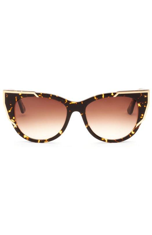 Солнцезащитные очки Thierry LasryОчки<br>Мастера бренда, основанного Тьери Ласри, создали оправу модели Butterscotchy вручную из прочного пластика черепаховой расцветки. Внешние углы декорированы позолоченными вставками. Солнцезащитные очки дополнены градиентными линзами с максимальной степенью защиты от УФ-лучей.<br><br>Пол: Женский<br>Возраст: Взрослый<br>Размер производителя vendor: NS<br>Цвет: Коричневый