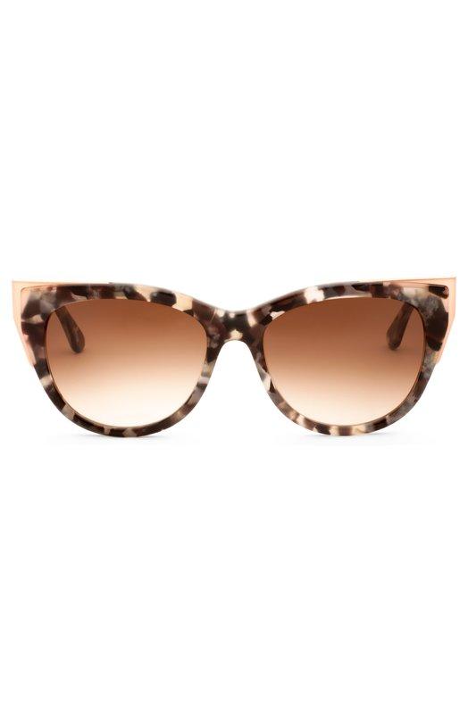 Солнцезащитные очки Thierry LasryОчки<br>Мастера бренда, основанного Тьери Ласри, изготовили модель Epiphany из гибкого пластика черепаховой расцветки. Солнцезащитные очки дополнены ударопрочными градиентными линзами с антиабразивным покрытием.<br><br>Пол: Женский<br>Возраст: Взрослый<br>Размер производителя vendor: NS<br>Цвет: Бесцветный
