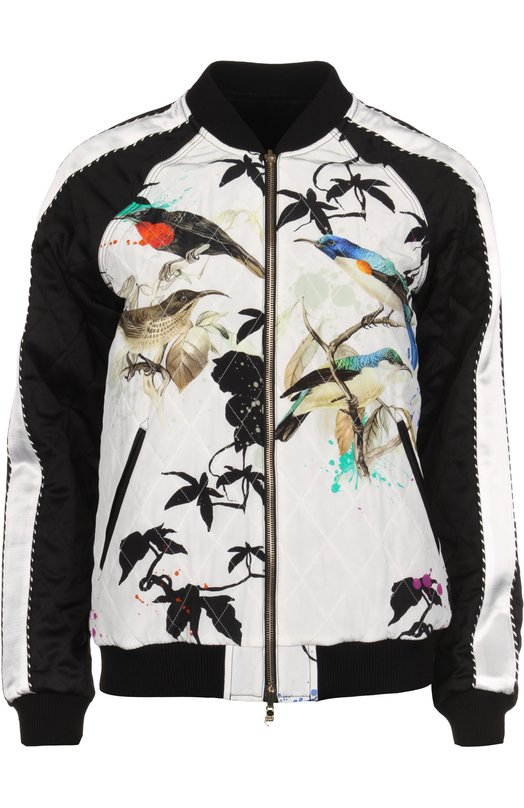 Куртка Roberto CavalliКуртки<br>Рукава стеганого бомбера произведены из комбинации белой и черной гладкой ткани. При создании модели мастера марки, основанной Роберто Кавалли, использовали тонкий шелк с принтом Birds Garden, ставшим основным узором коллекции сезона весна-лето 2016 года.<br><br>Российский размер RU: 40<br>Пол: Женский<br>Возраст: Взрослый<br>Размер производителя vendor: 38<br>Материал: Шелк: 100%; Подкладка-шелк: 100%;<br>Цвет: Белый