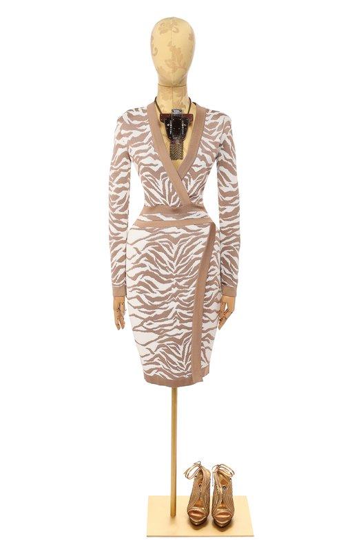 Платье вязаное BalmainПлатья<br><br><br>Российский размер RU: 44<br>Пол: Женский<br>Возраст: Взрослый<br>Размер производителя vendor: 40<br>Материал: Вискоза: 100%;<br>Цвет: Бежевый