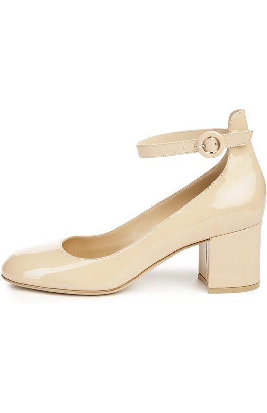 Туфли Gianvito RossiТуфли<br>Джанвито Росси включил в коллекцию сезона весна-лето 2016 года светло-бежевые туфли с круглым мысом, на устойчивом каблуке. Модель с высоким задником выполнена из мягкой лакированной кожи. Узкий ремешок, прочно фиксирующий обувь на ноге, дополнен круглой пряжкой.<br><br>Российский размер RU: 41<br>Пол: Женский<br>Возраст: Взрослый<br>Размер производителя vendor: 41<br>Материал: Кожа натуральная: 100%; Стелька-кожа: 100%; Подошва-кожа: 100%;<br>Цвет: Светло-бежевый