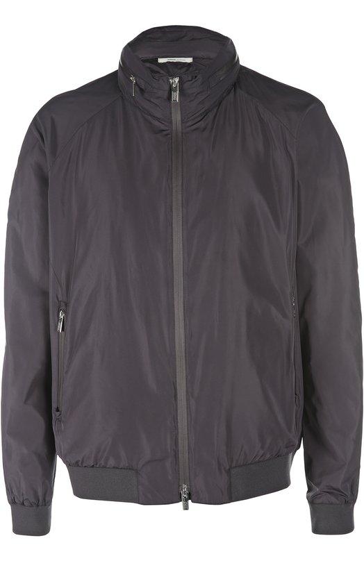 Куртка-бомбер Armani CollezioniКуртки<br>Куртка темно-синего цвета, дополненная капюшоном, вошла в весенне-летнюю коллекцию бренда, основанного Джорджио Армани. Для создания модели использован легкий водонепроницаемый текстиль. Изделие и два боковых кармана застегиваются на молнию.<br><br>Российский размер RU: 60<br>Пол: Мужской<br>Возраст: Взрослый<br>Размер производителя vendor: 58<br>Материал: Отделка-полиамид: 90%; Отделка-полиэстер: 6%; Отделка-эластан: 4%; Полиэстер: 100%; Подкладка-полиэстер: 100%;<br>Цвет: Темно-синий
