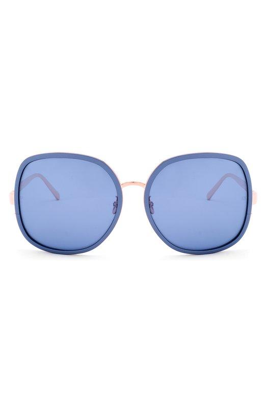 Солнцезащитные очки Linda FarrowОчки<br>В классическую коллекцию марки вошли солнцезащитные очки с синими матовыми стеклами. Мастера марки, основанной Линдой Фэрроу, дополнили оправу из ультралегкого титана вставкой из литого алюминия.<br><br>Пол: Женский<br>Возраст: Взрослый<br>Размер производителя vendor: NS<br>Цвет: Голубой