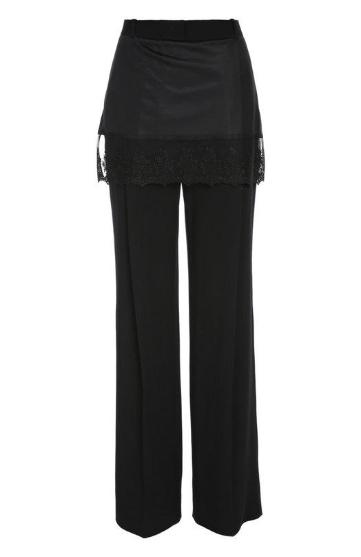 Прямые брюки с баской и кружевной вставкой GivenchyБрюки<br>В весенне-летнюю коллекцию 2016 года вошла модель со стрелками и боковыми карманами. Мастера марки сшили черные брюки из мягкой эластичной вискозы. Баска дополнена прочначным кружевным кантом. Советуем сочетать с темной блузой, двухцветным клатчем и босоножками в тон.<br><br>Российский размер RU: 50<br>Пол: Женский<br>Возраст: Взрослый<br>Размер производителя vendor: 44<br>Материал: Вискоза: 95%; Эластан: 5%; Отделка-полиэстер: 100%; Отделка-полиамид: 100%;<br>Цвет: Черный
