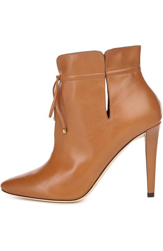 Кожаные ботильоны Murphy с шнурком Jimmy ChooБотильоны<br>Мастера бренда, основанного Джимми Чу, изготовили ботильоны Murphy с глубокими вырезами вручную из матовой гладкой кожи коричневого цвета. Модель с зауженным мысом, на высоком тонком каблуке вошла в коллекцию сезона осень-зима 2016 года. Обувь фиксируется на щиколотке тонким шнуром.<br><br>Российский размер RU: 38<br>Пол: Женский<br>Возраст: Взрослый<br>Размер производителя vendor: 38<br>Материал: Кожа натуральная: 100%; Стелька-кожа: 100%; Подошва-кожа: 100%;<br>Цвет: Светло-коричневый