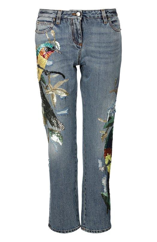 Прямые джинсы с пайетками Roberto CavalliДжинсы<br>Роберто Кавалли включил в весенне-летнюю коллекцию 2016 года укороченные джинсы прямого кроя. Модель из плотного синего денима украшена вышивкой пайетками. Советуем носить с белой блузой и золотистыми туфлями.<br><br>Российский размер RU: 46<br>Пол: Женский<br>Возраст: Взрослый<br>Размер производителя vendor: 44<br>Материал: Хлопок: 100%;<br>Цвет: Синий
