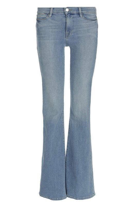 Джинсы Frame DenimДжинсы<br>Расклешенные джинсы с заниженной посадкой вошли в коллекцию сезона осень-зима 2016 года. Модель с небольшими потертостями сшита из плотного хлопка-стрейч голубого цвета. Нашим стилистам нравится сочетать с белой футболкой и бежевыми босоножками.<br><br>Российский размер RU: 42<br>Пол: Женский<br>Возраст: Взрослый<br>Размер производителя vendor: 26<br>Материал: Хлопок: 93%; Полиэстер: 5%; Эластан: 2%;<br>Цвет: Голубой