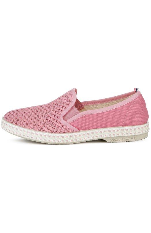 Слипоны с текстильной сеткой Rivieras Leisure ShoesСпортивная обувь<br>Для производства слипонов розового цвета использована комбинация хлопкового холста и прочного сетчатого текстиля. Модель с закругленным мысом, на широкой подошве, украшенной стичингом, вошла в коллекцию сезона весна-лето 2016 года. Низкий квадратный каблук дополнен выгравированным логотипом марки.<br><br>Российский размер RU: 34<br>Пол: Женский<br>Возраст: Детский<br>Размер производителя vendor: 34<br>Материал: Хлопок: 100%; Стелька-кожа: 100%; Подошва-резина: 100%;<br>Цвет: Розовый