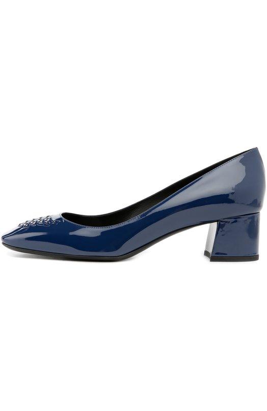 Лаковые туфли на низком каблуке Bottega VenetaТуфли<br>Томас Майер включил в осенне-зимнюю коллекцию 2016 года синие туфли с квадратным мысом. Изделие выполнено из мягкой лакированной кожи. Модель, декорированная знаковым для марки плетением intrecciato, дополнена невысоким устойчивым каблуком.<br><br>Российский размер RU: 39<br>Пол: Женский<br>Возраст: Взрослый<br>Размер производителя vendor: 39-5<br>Материал: Кожа натуральная: 100%; Стелька-кожа: 100%; Подошва-кожа: 100%;<br>Цвет: Темно-синий