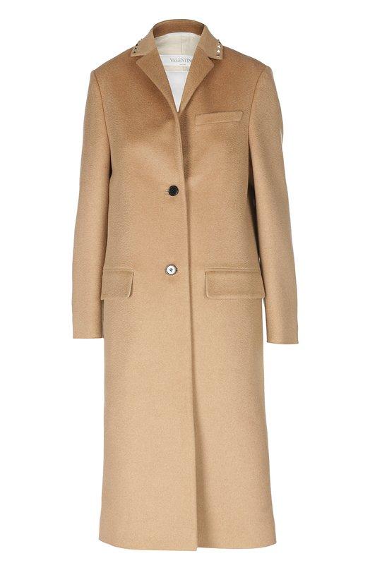 Шерстяное пальто прямого кроя ValentinoПальто и плащи<br>Прямое однобортное пальто с V-образным вырезом и тремя карманами сшито из прочной верблюжьей шерсти. Модель вошла в коллекцию сезона осень-зима 2016 года. Английский воротник декорирован шипами-пирамидами с платиновым покрытием, характерными для одежды бренда, основанного Валентино Гаравани.<br><br>Российский размер RU: 40<br>Пол: Женский<br>Возраст: Взрослый<br>Размер производителя vendor: 38<br>Материал: Подкладка-хлопок: 87%; Подкладка-лен: 13%; Шерсть верблюжья: 100%;<br>Цвет: Бежевый